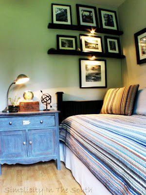 Vintage Industrial Boy\u0027s Bedroom with a Closet/Office Chicas - Decoracion De Recamaras Para Jovenes Hombres
