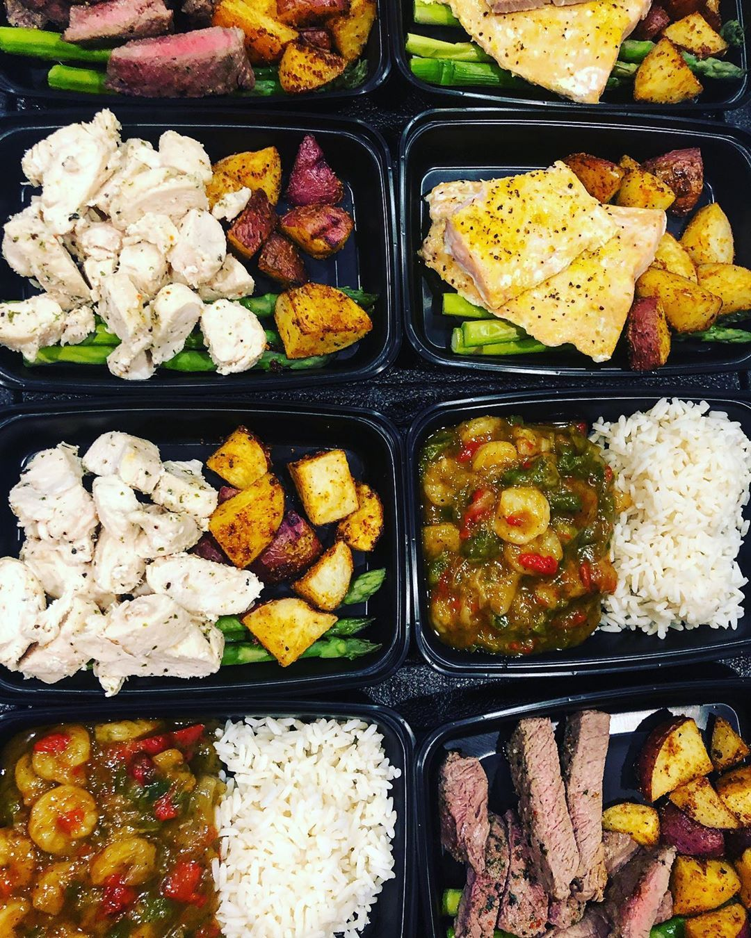 Delicious, flavorful, conveniently delivered meals to your doorstep! - need to trim down - have a macro sheet, but no time to prepare items - custom athletic nutrition  Whatever your dietary goals are, @ajs_fine_bites_llc can help you achieve it! We work with Doctors, Dieticians, and professional Nutritionist/Trainers that perfect your nutrient absorption levels- giving #athletenutrition