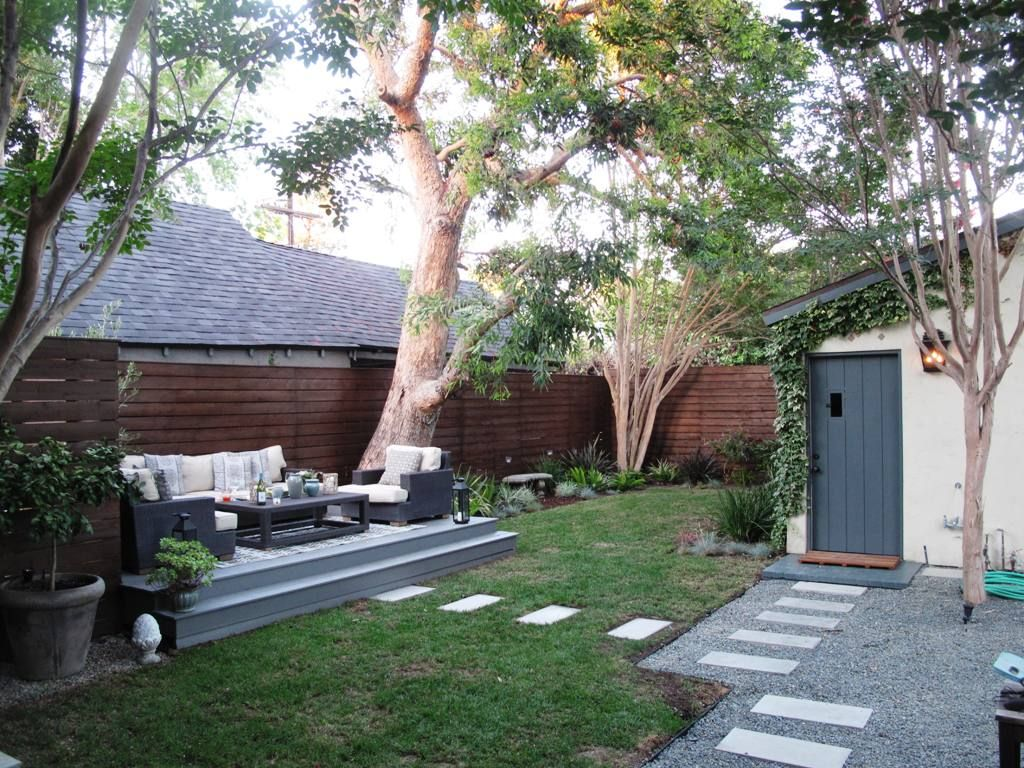 Budget backyard makeover: Remade for cocktails, movies and ... on Modern Backyard Ideas On A Budget id=96697