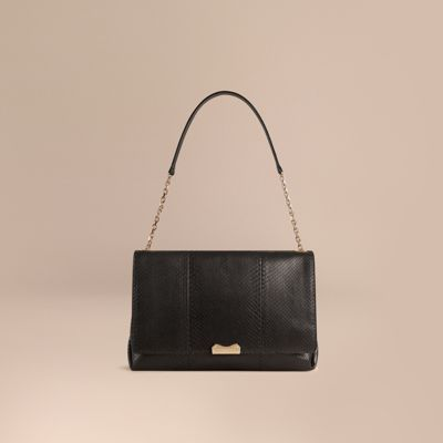 BURBERRY ラージ・パイソン・ショルダーバッグ. #burberry #bags # #