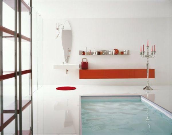 Ultramoderner Pool Im Badezimmer Mit Roten Akzenten Und Einem Kleinen  Schwimmbecken   Modernes Bad U2013 50 Designer Ideen