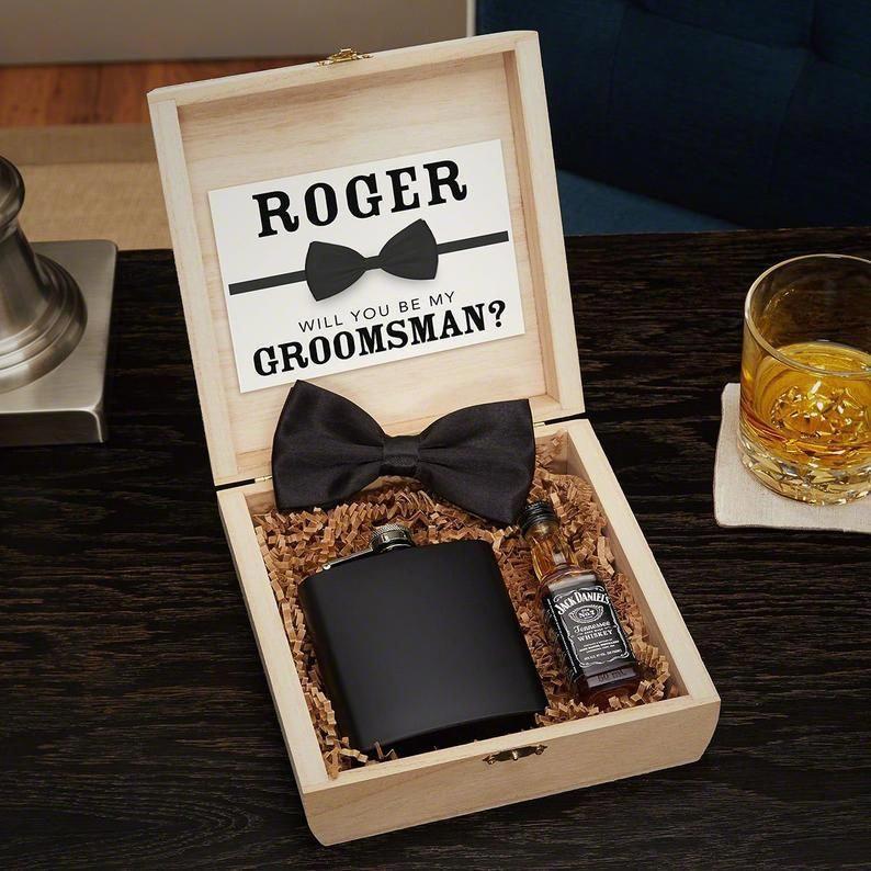 Drake Blackout Custom Cigar Humidor Groomsmen Gift Box Set Etsy In 2020 Groomsmen Gift Box Groomsmen Gift Set Groomsmen Gifts Unique