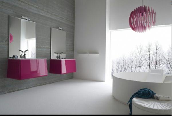 schöne badideen - violette akzente im badezimmer, zwei spiegel und - schöne badezimmer ideen