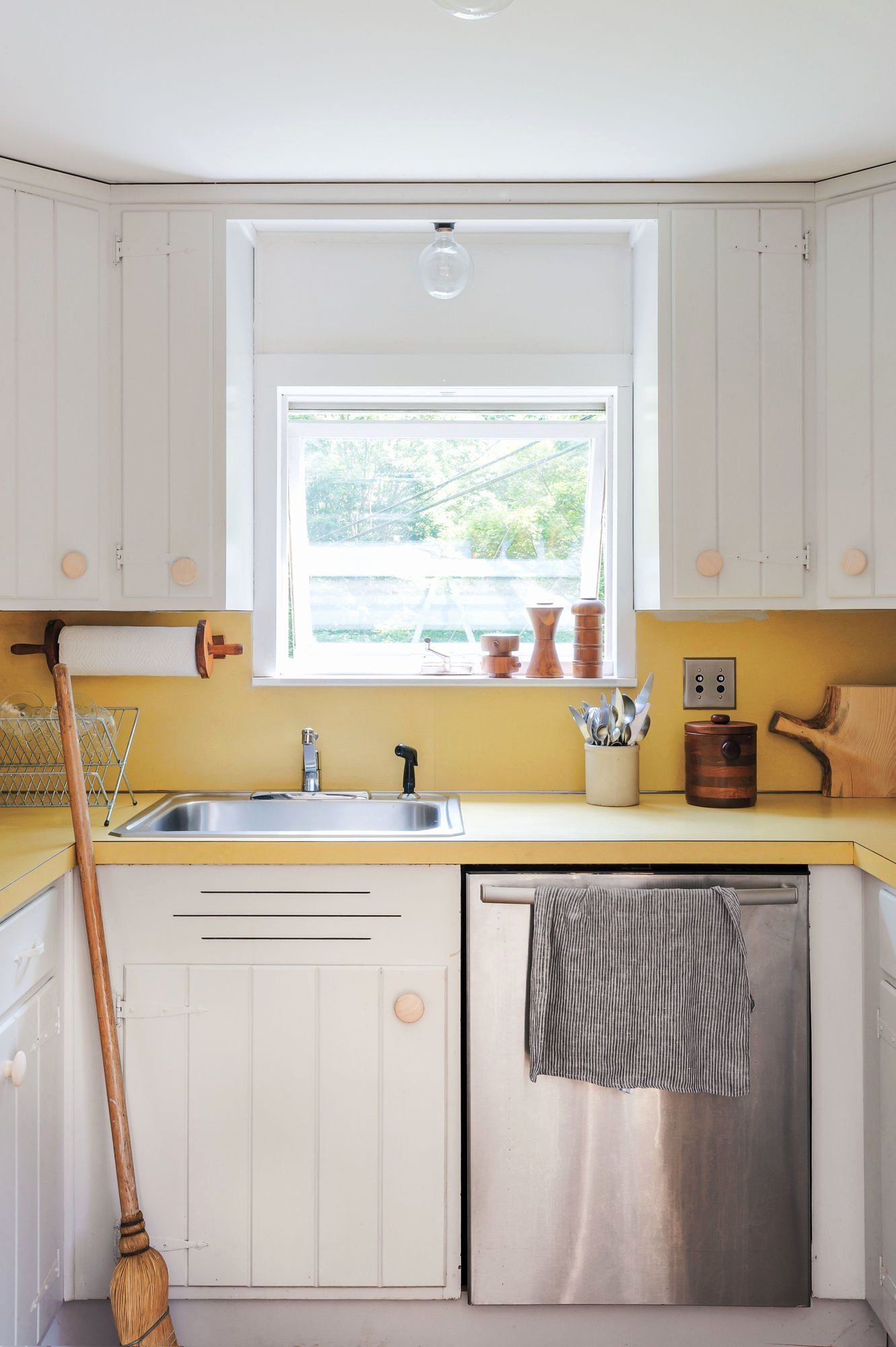 Best Paint For Kitchen Cupboards Inspirational Expert Tips On Painting Your Kitchen Cabin In 2020 Wood Kitchen Cabinets Unfinished Kitchen Cabinets Kitchen Cabinets Uk