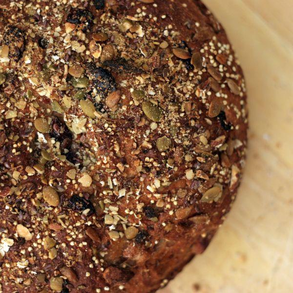 Overnight No-Knead Multi-Grain Bread from http://bobvivant.com