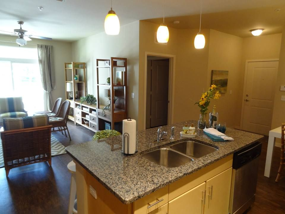 Attirant Open Floorplan For Easy Entertaining. Sea Isle Resort Apartments   Orlando,  FL