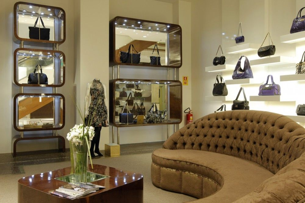 Mititique Boutique: Woman Bags Boutique Interior Design Ideas