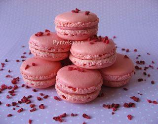Raspberry macarons recipe :)