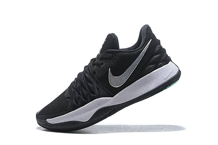 Nike Kyrie 4 Low Black/Metallic Silver