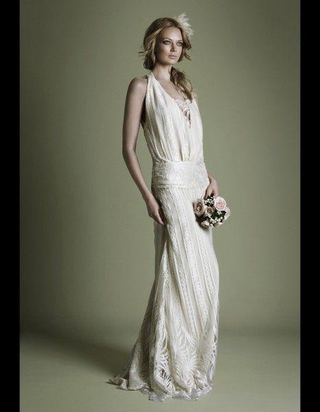 9300dfc3a68af 50 robes de mariée qui changent   Robe en crêpe style années 20 The Vintage  Wedding Dress Company