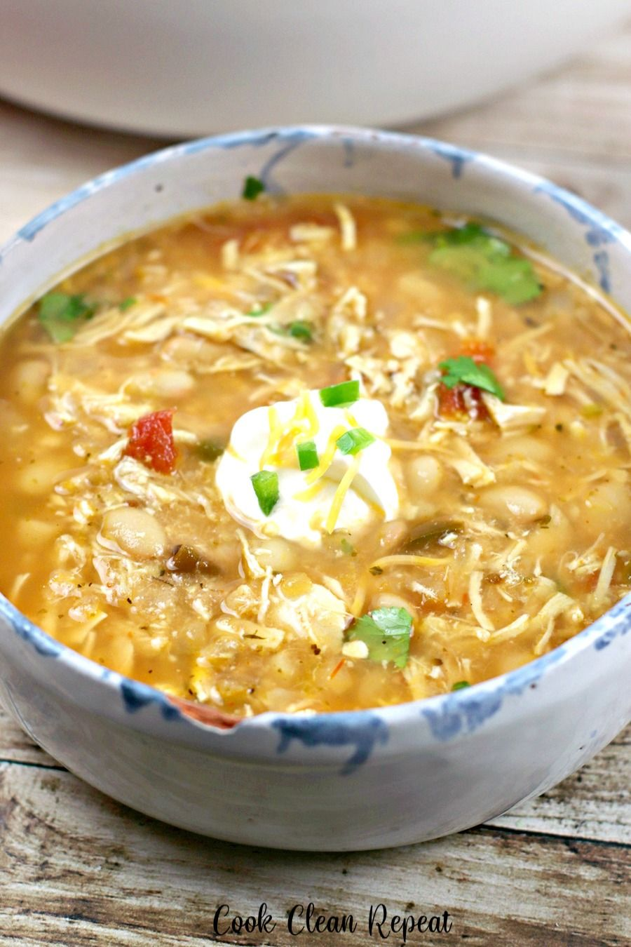 Today we're making a copycat Ruby Tuesday recipe for white chicken chili. This Ruby Tuesday white chicken chili is easy to make, delicious, and can be topped with all of your favorites! #rubytuesdays