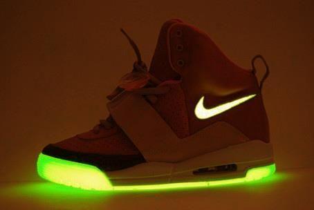 Nike Air glow in the dark soles!!   Shooz   Nike shoes cheap