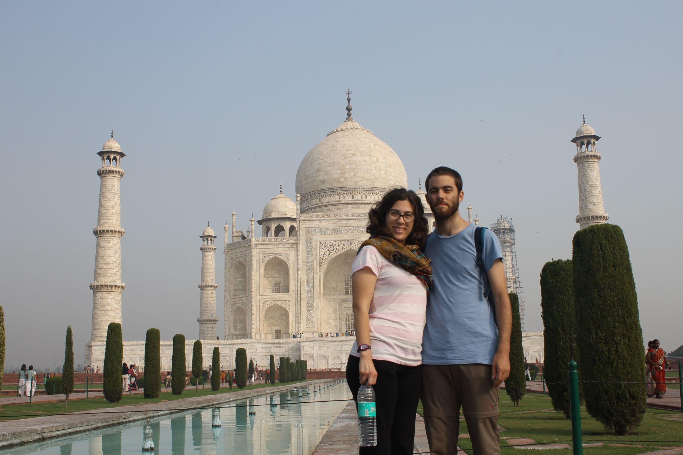 Nosotros frent al Taj Mahal