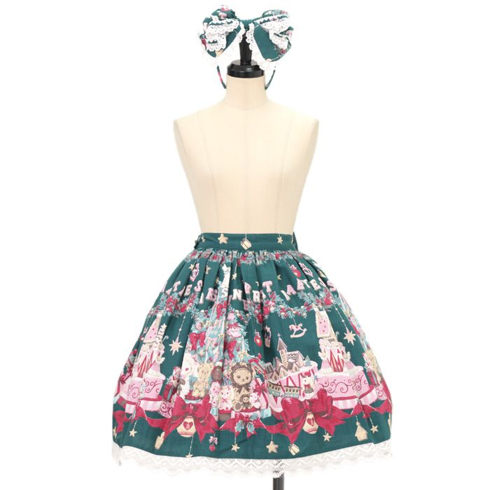 ♡ BABY THE STARS SHINE BRIGHT ♡ Kumya-chan our Christmas Holly Night pattern skirt + ribbon Katyusha + Valletta http://www.wunderwelt.jp/products/detail9269.html #sweetlolita