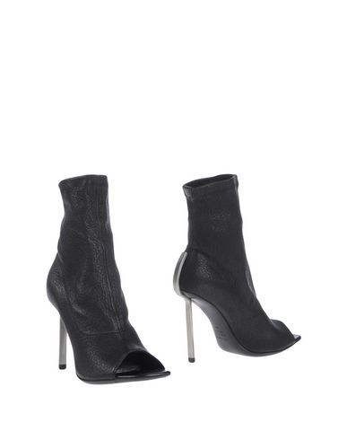 VIC MATIE ANKLE BOOTS. #vicmatie #shoes #ankle boot