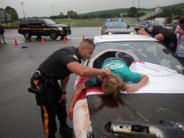 Teen texting car accident photos