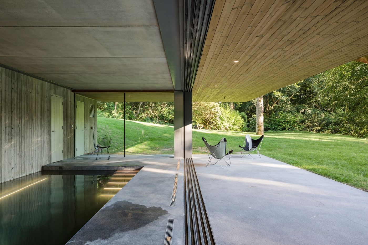 Slidingglassdoors To A Ground Floor Swimming Pool In Surrey The