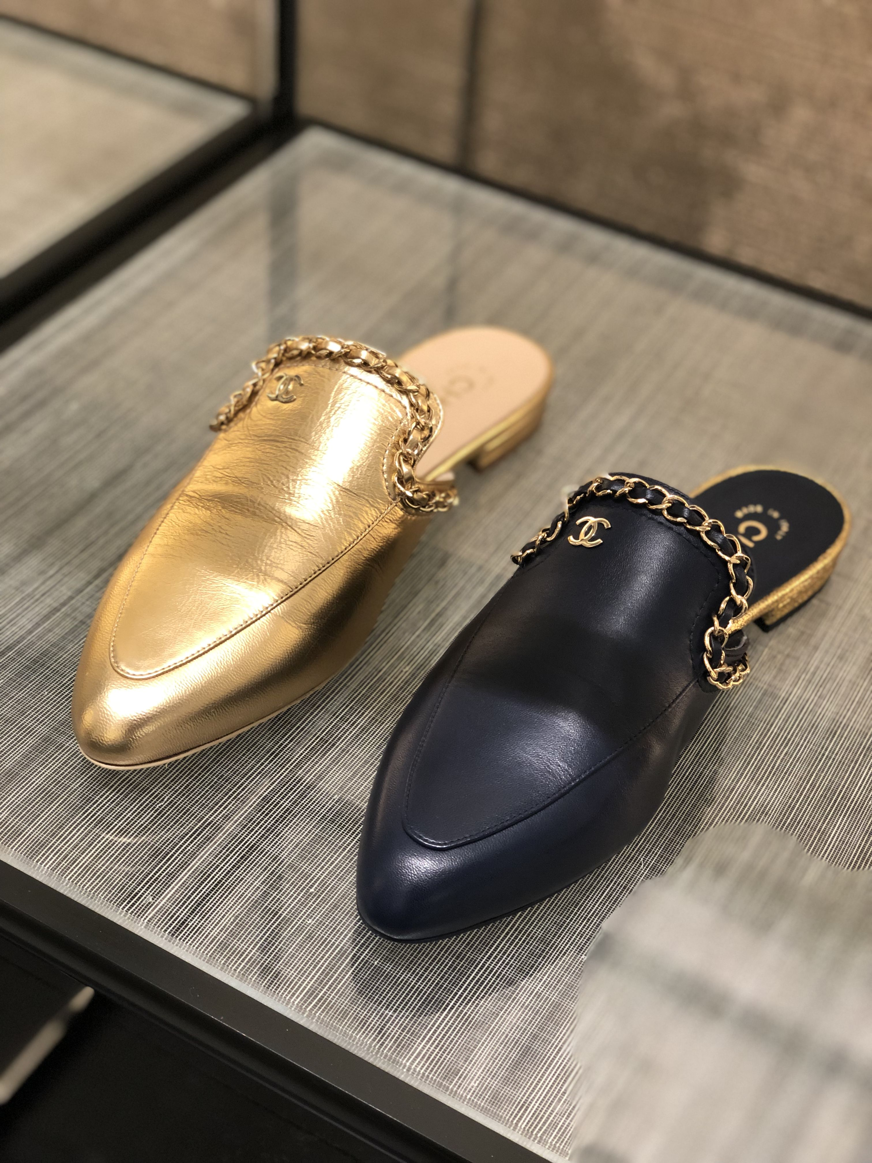Chanel pre-fall 19 Egypt leather mules