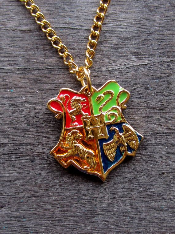 Hogwarts necklace- the four houses (Gryffindor, Slytherin, Ravenclaw, Hufflepuff) from Etsy #harrypotter