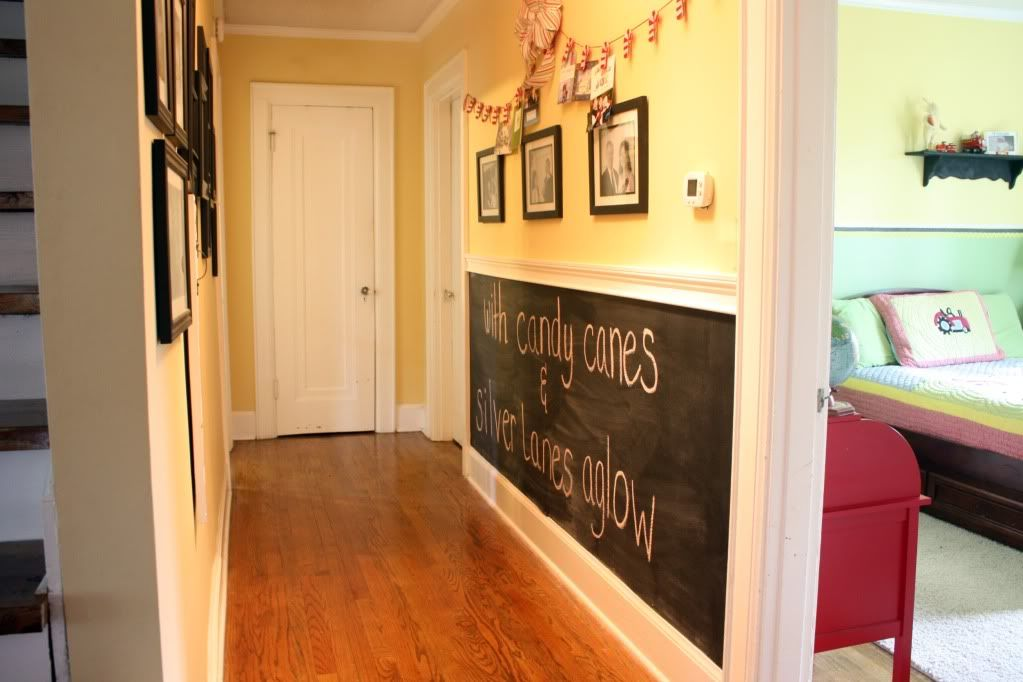Holiday Home Tour | Wainscoting, Chalkboards and Chalkboard walls