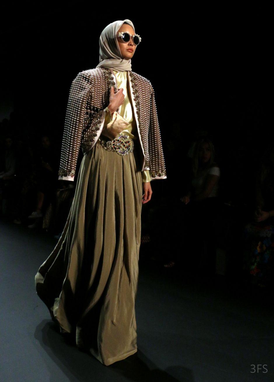 Anniesa Hasibuan nyfw new york fashion week hijab fashion runway