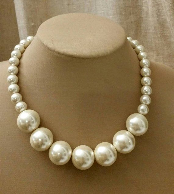 Chunky pearl choker, trending choker, extra large pearl choker,boho pearl jewelry, large pearl necklace,short pearl necklace,wedding jewelry #pearljewelry