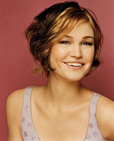 Julia Stiles Short Hair : julia, stiles, short, Julia, Stiles, Stiles,, Hair,, Medium, Styles