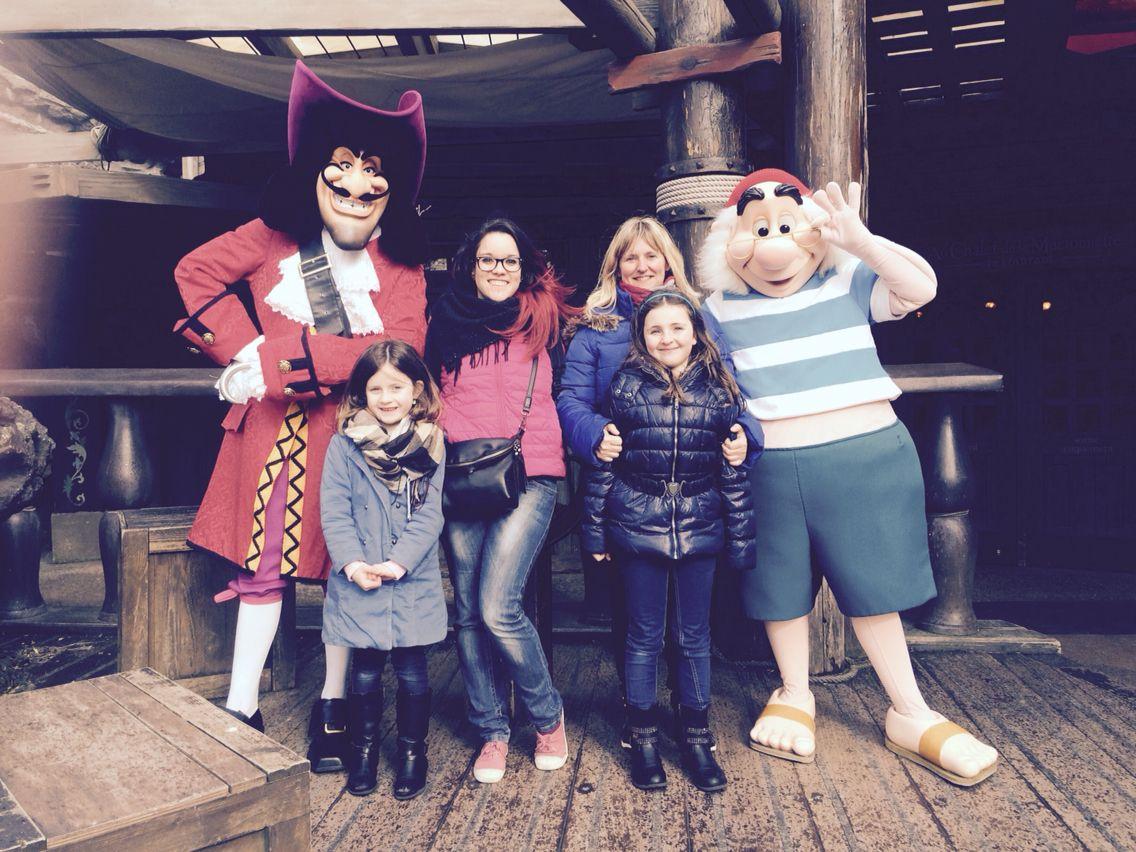 Capitaine Crochet, Monsieur Mouche, marraine, Florine et Louna