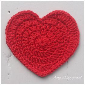http://atty-s.blogspot.nl/p/heart-coaster-pattern.html?m=1