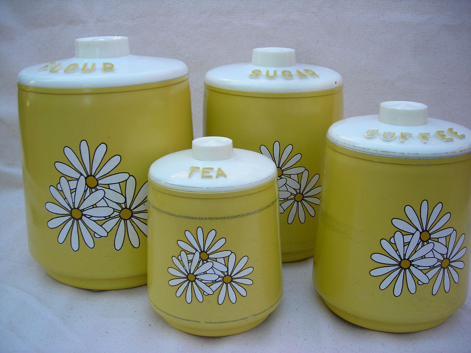 Vintage kitchen yellow daisy canisters set of 4 by for Kitchen set yellow