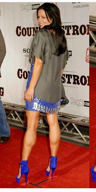 SUZANNE: Upskirt stockings no panties