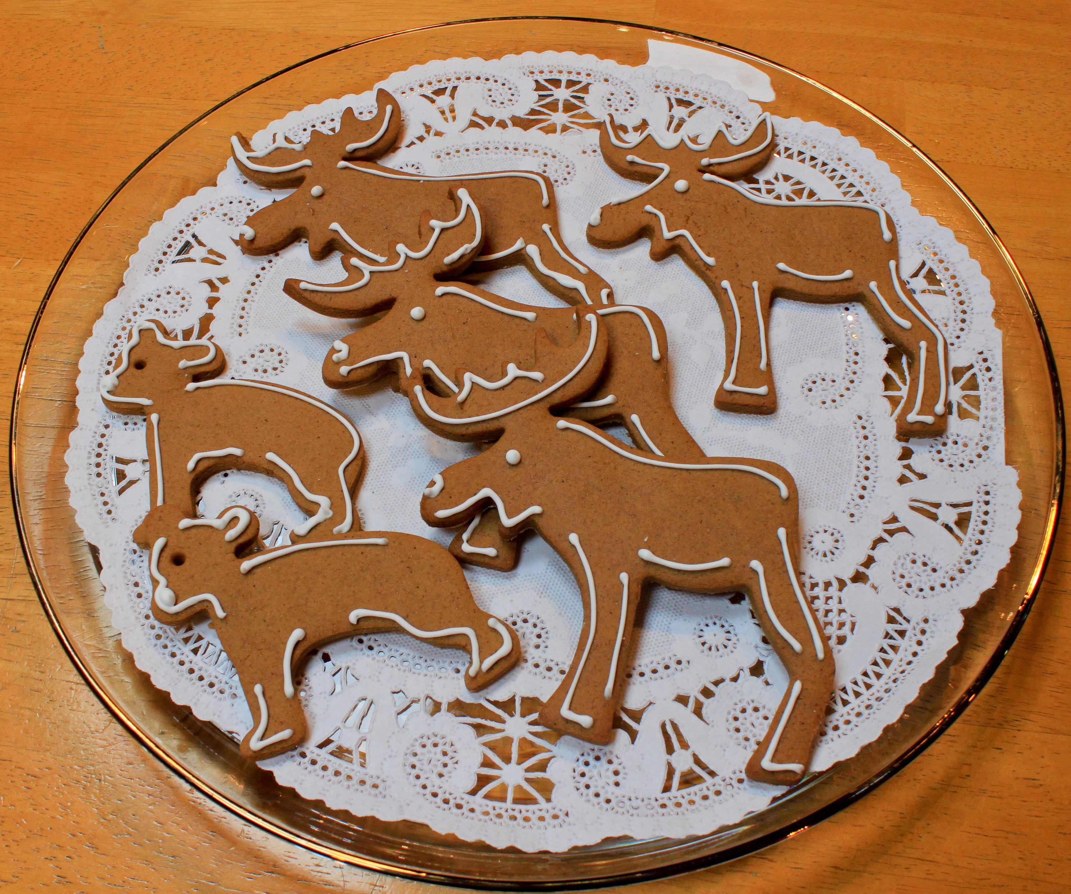 Gingerbread Ikea Cookie Cutter Animal Cookies Dec 2013 Robin S