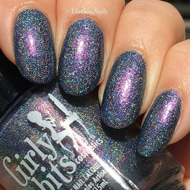 Loving this gorgeous swatch of What Happens in Vegas Ends Up on Twitter on @ehmkaynails!  This limited editon stunner will be available from Aug 15 - 22nd  WWW.GIRLYBITSCOSMETICS.COM  #girlybits #girlybitspolish #girlybitscosmetics #girlybitswhathappensinvegasendsupontwitter #whathappensinvegasendsupontwitter #WHIVEUOT #limitededition