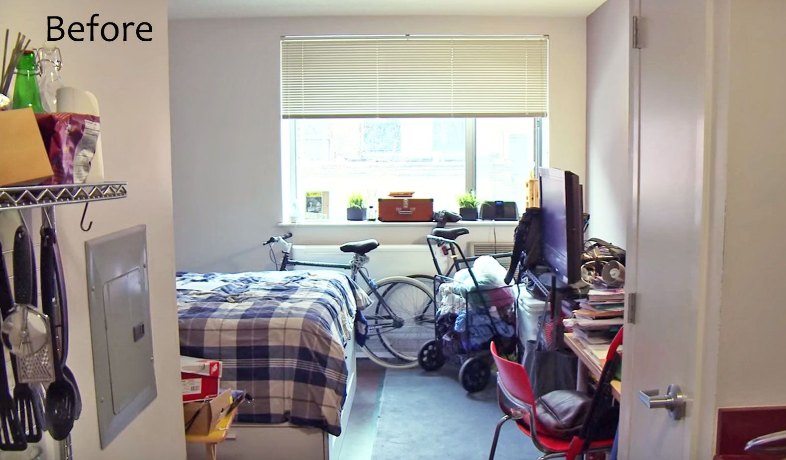 See Ikea S Storage Maximizing Makeover Of A 300 Sq Ft Studio Apartment In The Bronx Apartment Design Studio Apartment Tiny Apartment