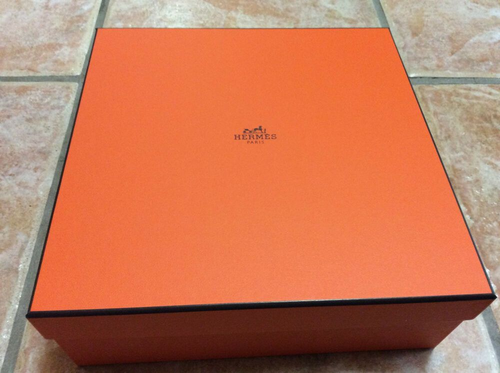 Ebay Sponsored 2 X Hermes Empty Large Boxes With Pillows 10 X 10 X 3 1 3 New Gift Wrapping Supplies Party Card Print Gifts