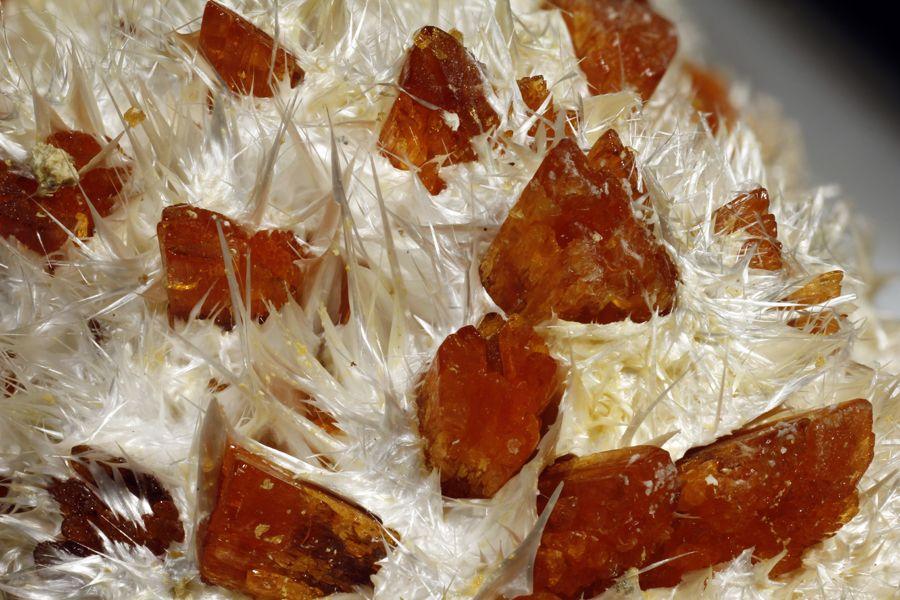 Botriogeno Y Halotriquita Piso 33 Pozo Alfredo Minas De Rio Tinto Huelva Espana Encuadre 14 98mm 1 5x Carril De Enfoque Macr Minerales Espana Cristales