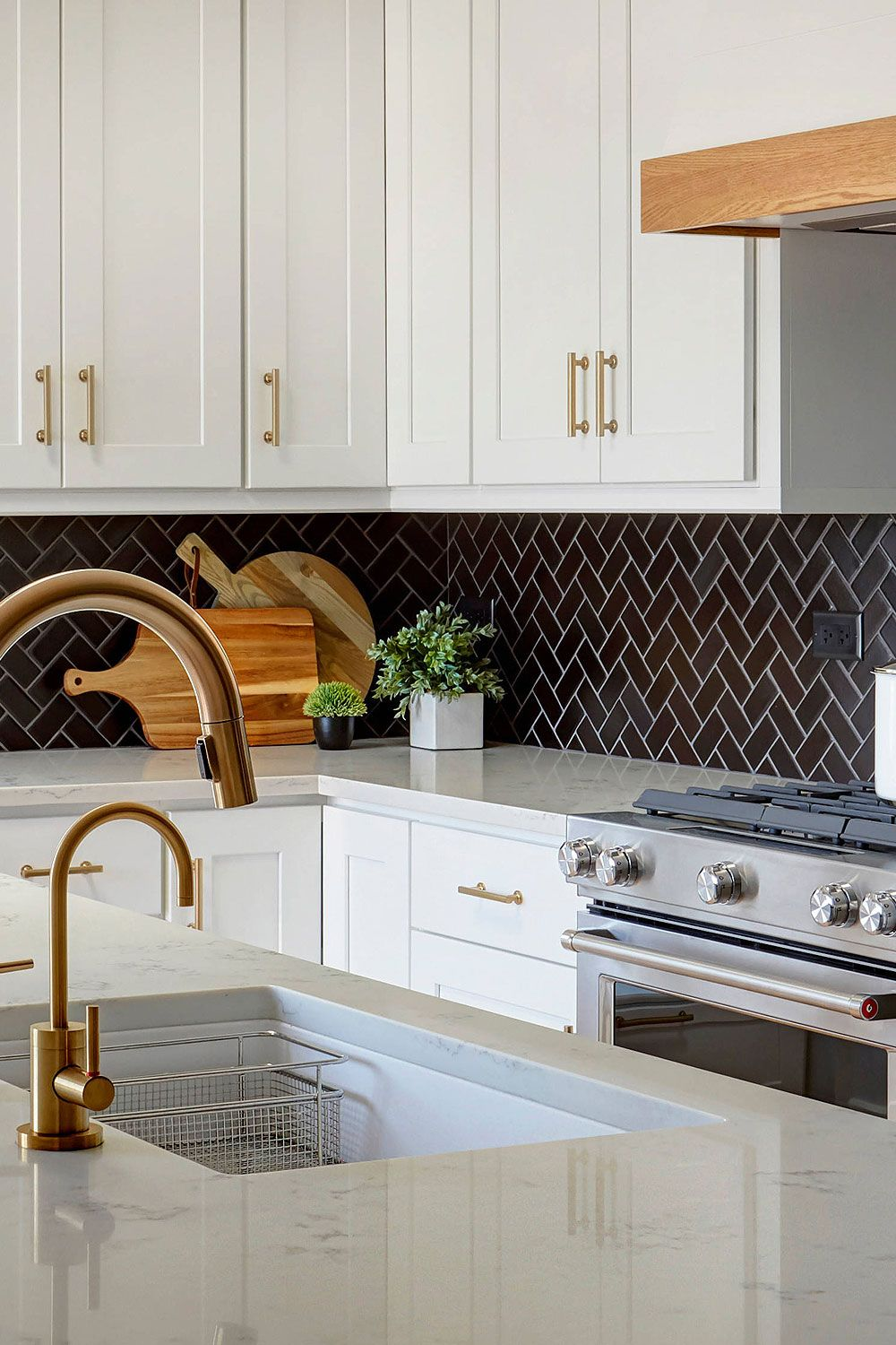 - 31+ Black Subway Backsplash ( Ideas ) - The Power Of Black Color