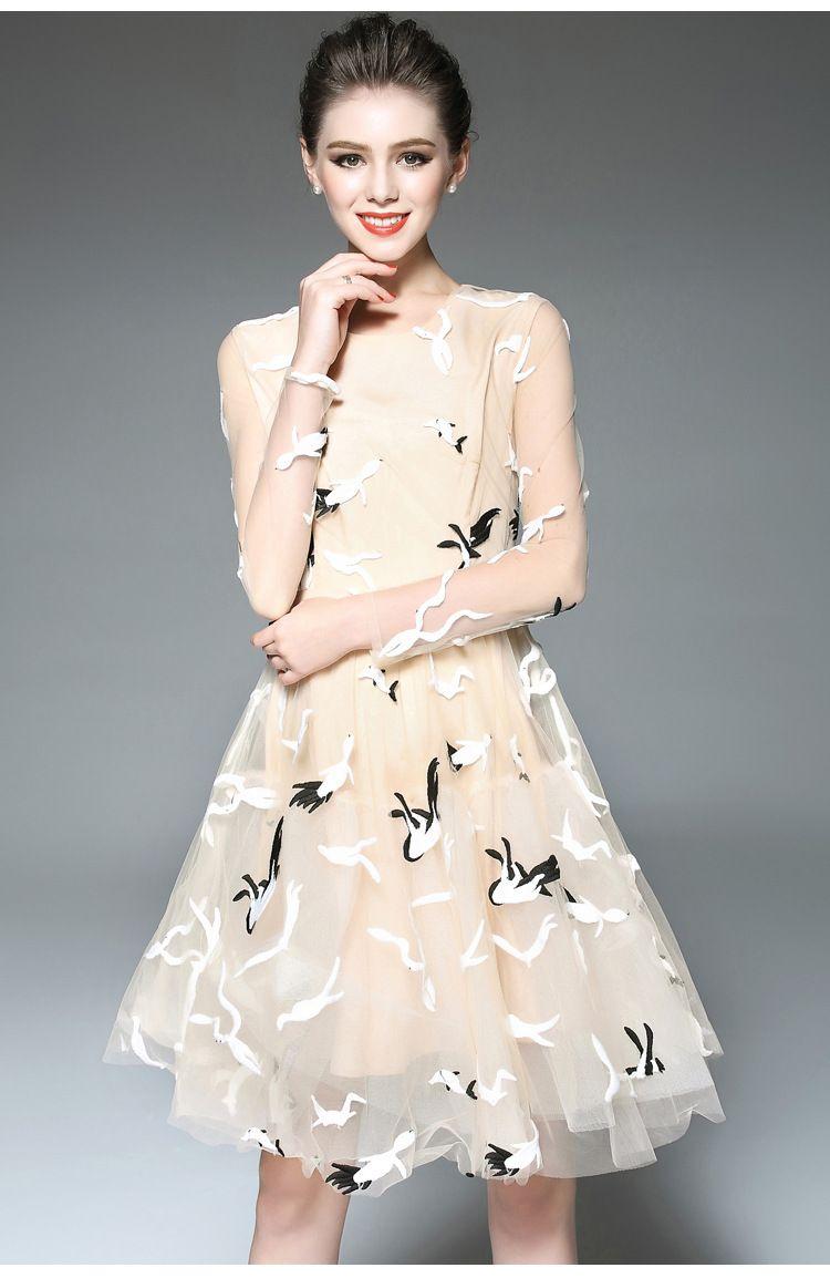 Women Spring Summer Fashion Ruwnay Bird Embroidery Short Casual
