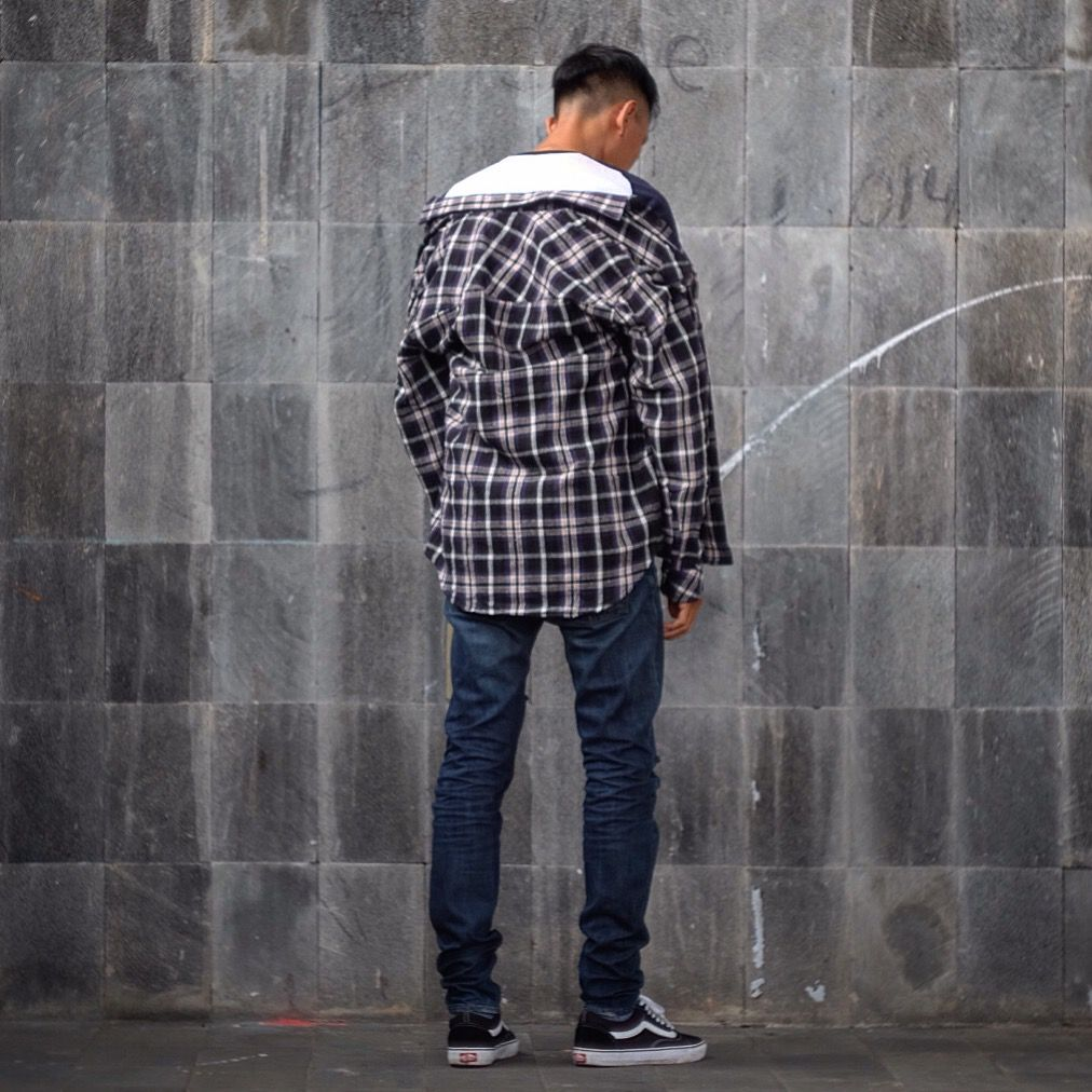 Outfit from back #hypebeast #streetstyle #streetwear #shirt #flannel #rippedjeans #vans ...