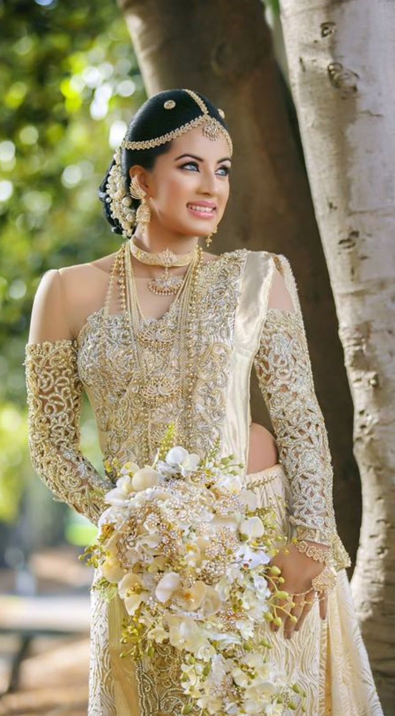 Sri Lankan Bride Bride Attire Indian Bridal Dress Beautiful Indian Brides [ 1442 x 795 Pixel ]