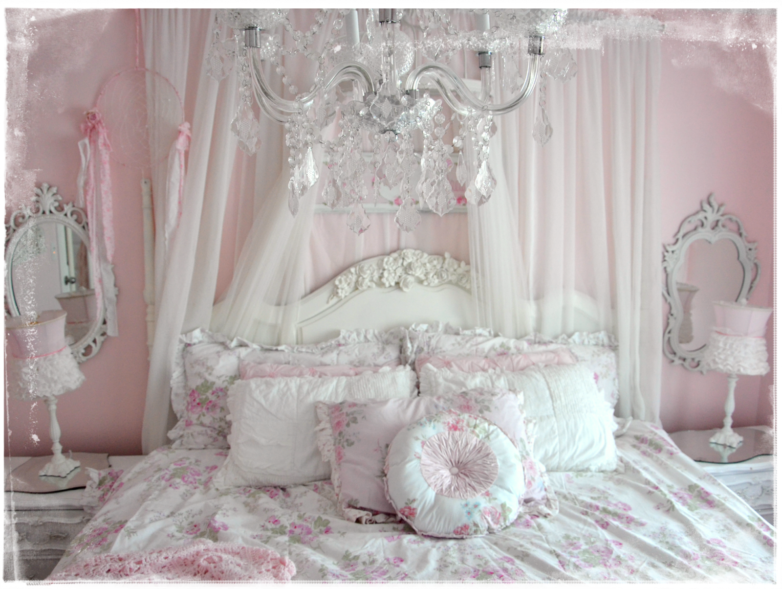 images of shabby chic decor decorating tiny bedroom. Black Bedroom Furniture Sets. Home Design Ideas