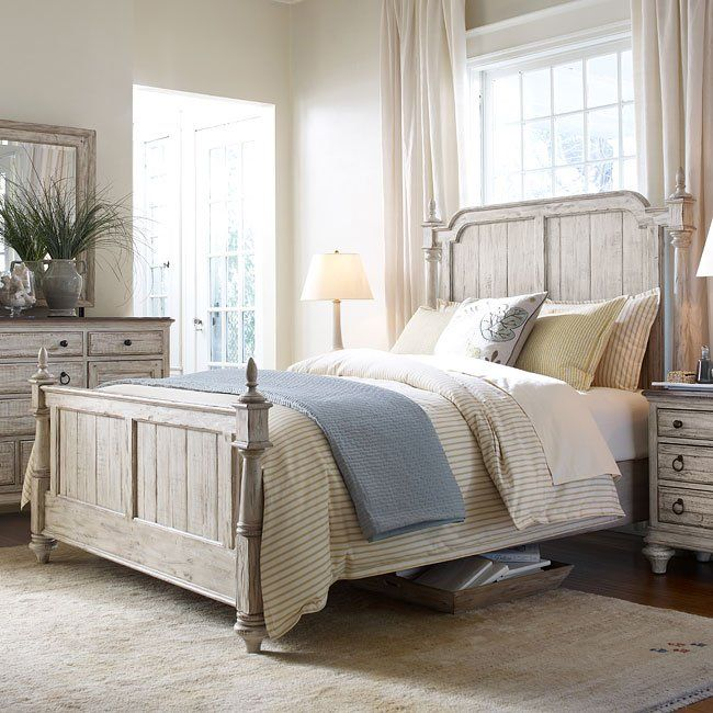 Where Can You Get Cheap Furniture: Weatherford Westland Low Post Bed (Cornsilk)
