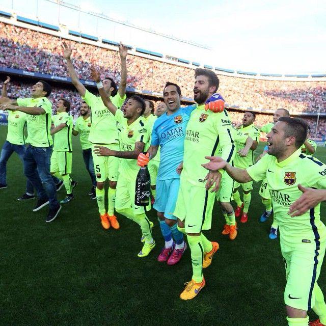 「League Champions!  Campions de Lliga!  Campeones de Liga!  #campionsFCB @fcbarcelona」