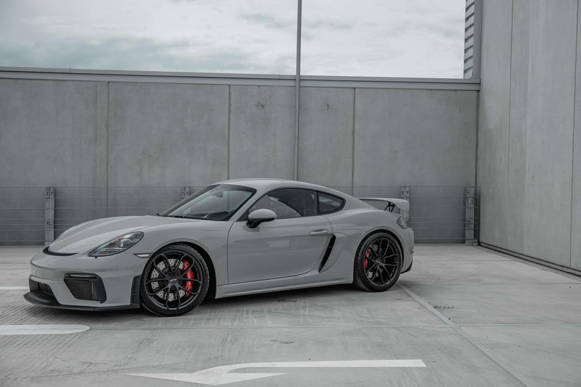 Porsche 718 Cayman Gt4 2020 Elferspot Com Marketplace For Porsche Sports Cars Porsche 718 Porsche Fahrzeuge