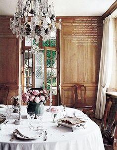 romantic table setting www.nelleandlizzy.com