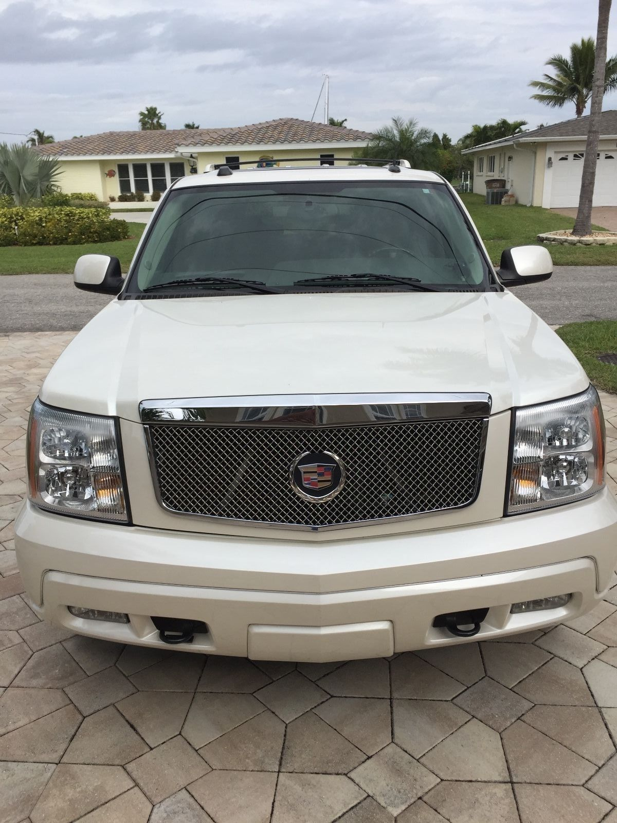 copart sale bfee for l cadillac carfinder cert salvage escalade view left online white auto az of phoenix on en in title auctions lot