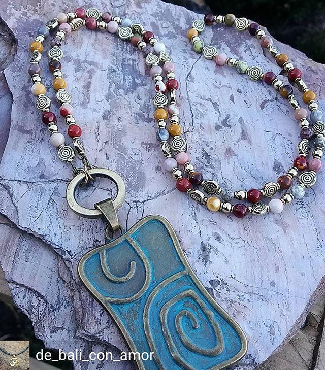 Regrann from @de_bali_con_amor - Collar largo con medallon . Envios gratis desde Puerto Varas a la puerta de tu casa  . #beadedjewelryofinstagram #collar #collares #necklace #necklaces  #beads #accesorios #accesories #Hechoamano #handmade #puertovaras #sur  #chile #emprendedores #diseñochileno #hechoenchile - #regrann  #beadedjewelry #bohojewelry
