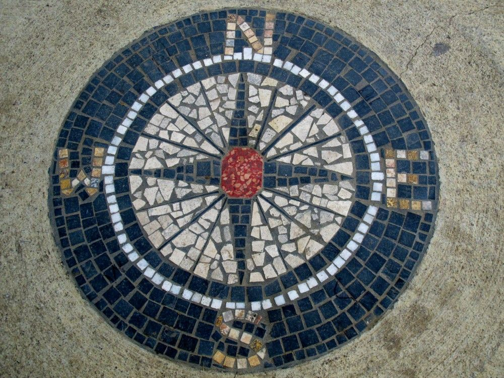 Compass mosaic tiles patio or front foyer either way pretty garden ideas to inspire - Basics mosaic tiles patios ...