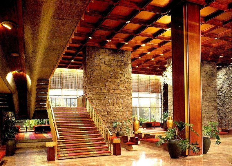Hyatt Regency Hotel Architects: Leandro V. Locsin, Leandro V. Locsin Partners Location: Roxas Blvd., Pasay City Construction: 1967