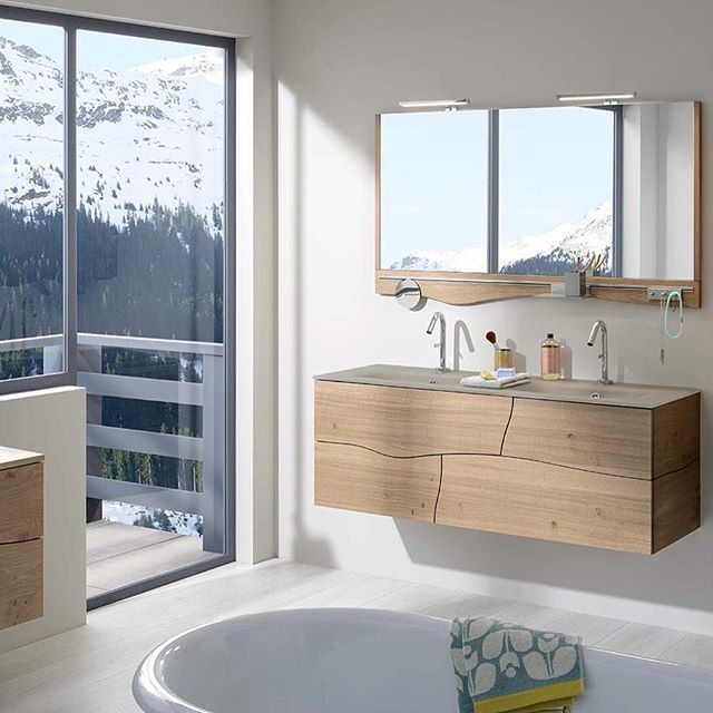 Une salle de bain originale sherwood, avec un mariage entre le moderne et le rustique.   #sanijura #sherwood #salledebain #salledebaindesign #bathroom #decosalledebain #decomaison #bathroominspo #homedeco #ideedeco #home #inspiration #homesweethome #inter